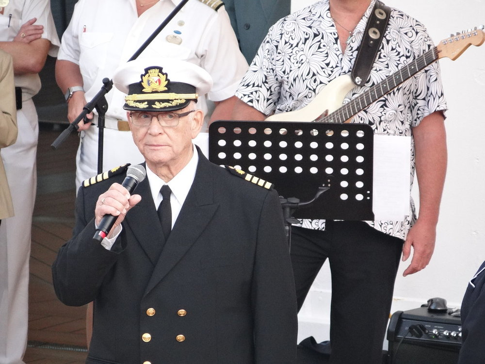 891203 041 12.03.15 Gavin MacLeod (Capt.Stubing) at Sailaway party DSC07113.JPG