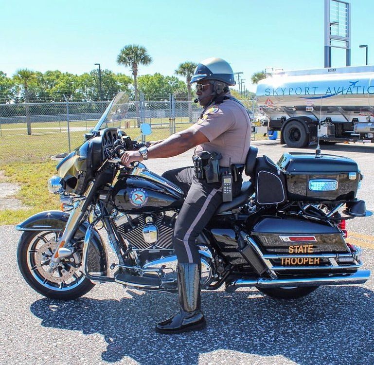 Florida Department of Highway Safety and Motor Vehicles (DHSMV) - Division of Florida Highway Patrol (FHP) (Motorcycle Unit) - Harley-Davidson FLHTP Electra Glide #2.jpg