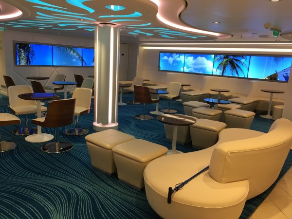NCL ESCAPE - Studio Lounge