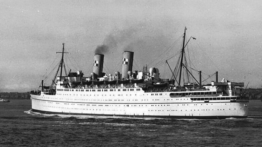 Canadian Pacific Steamships Ocean Services Ltd. (Canada - Defunct) - Empress of France 2 (scrapped Newport, Wales 1960).jpg