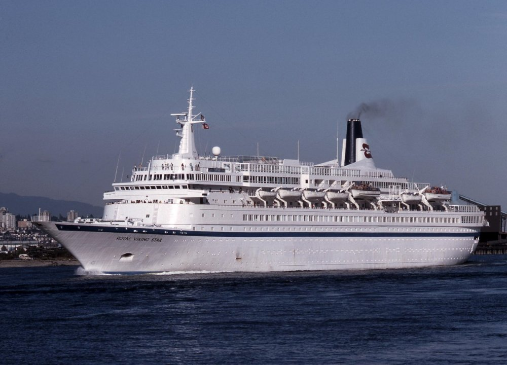 Royal Viking Line (Norway - Defunct) - Royal Viking Star (now Black Watch for Fred Olsen Cruise Line).jpg