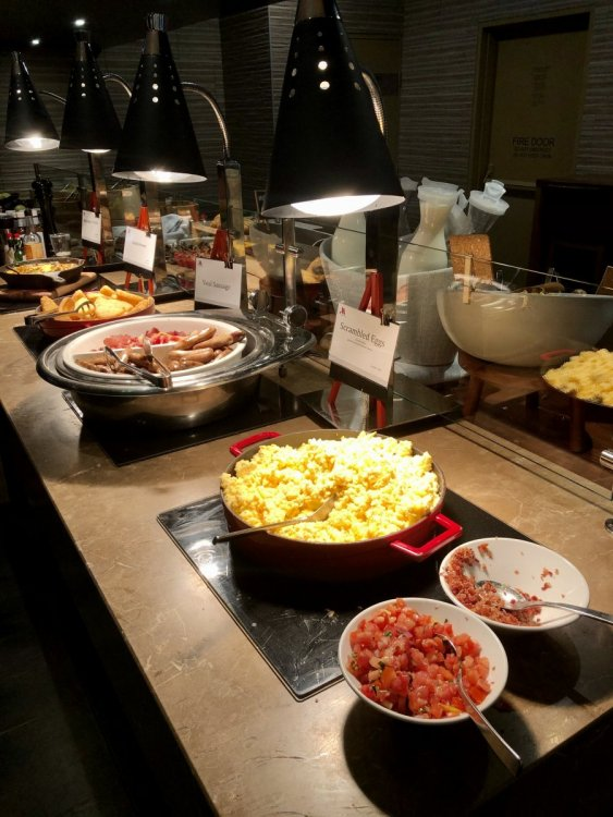 Breakfast Buffet 1.jpg