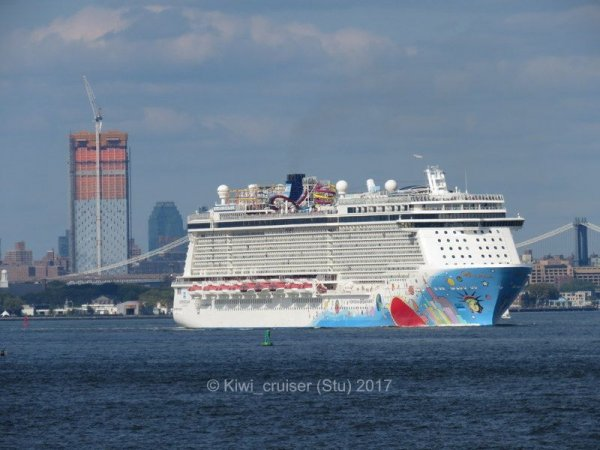 Norwegan Breakaway departing New York