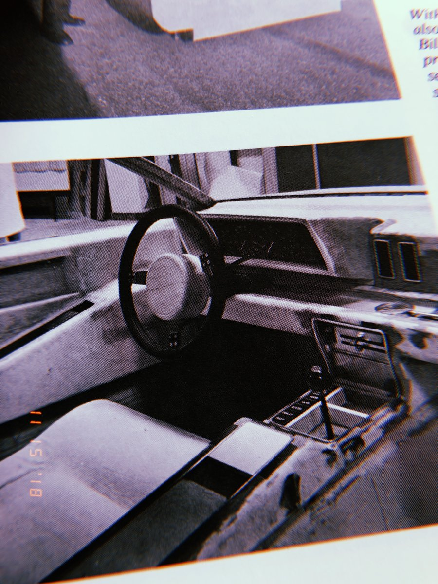 Early interior design buck (Italdesign Giugiaro, 1976) The final car would be restyled.