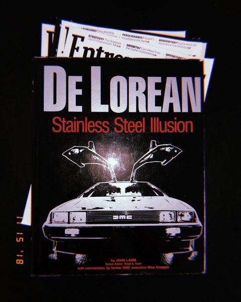 "De Lorean: Stainless Steel Illusion (1984) Published after the collapse and before the car became a ""movie star"""