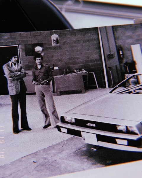 "Giugiaro shows first epo-wood styling mock-up to John Z. De Lorean (Italdesign Giugiaro, 1976) Notice ""JZD"" logo"