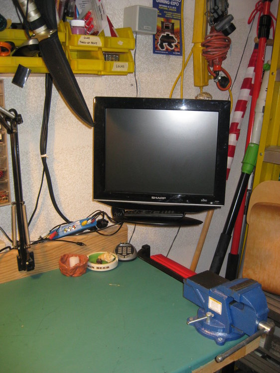 workbench 002.JPG