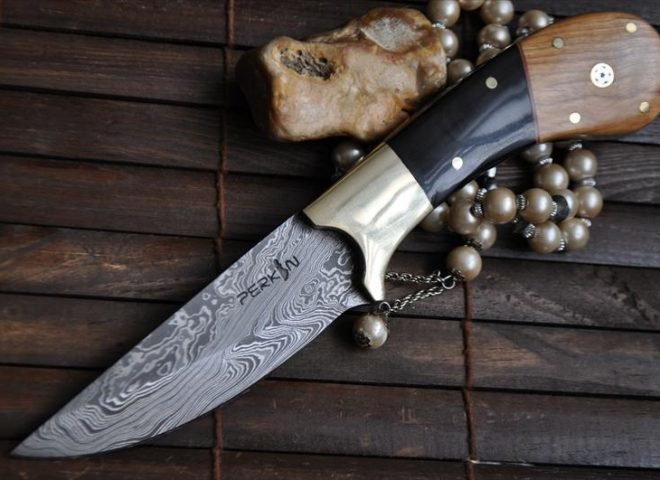 outstanding-value-handmade-damascus-hunting-knife-with-eleather-sheath-ar114.jpg
