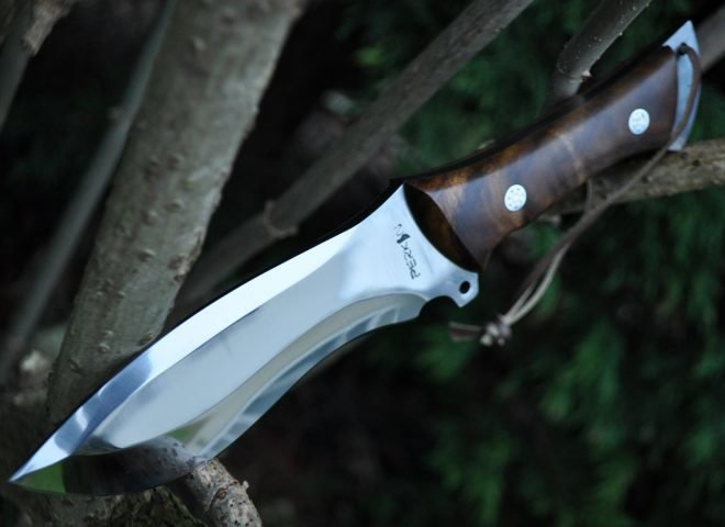 HANDCRAFTED HUNTIND KNIFE- D2 TOOL STEEL-BEAUTIFUL CAMPING KNIFE.jpg