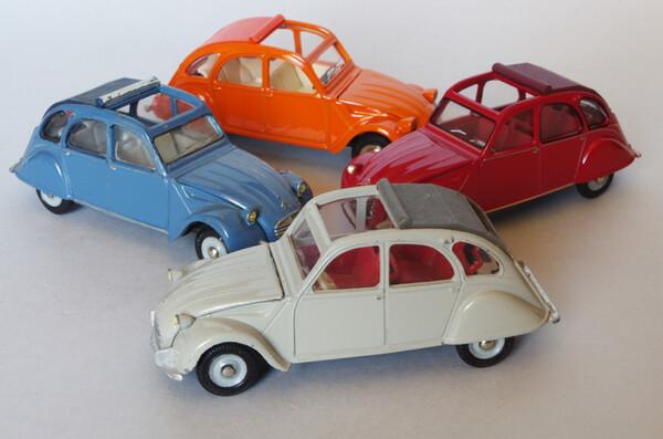 Toutes les mini-Citroën que j'aime - Page 10 Small.citroen2cvdinkyquatre1.JPG.d30bddaaa391648563383f41240a737b