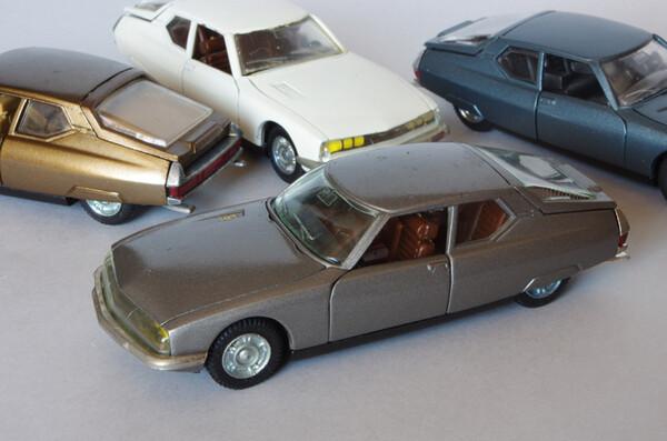 Toutes les mini-Citroën que j'aime - Page 10 Small.citroensmgrisepilen1.JPG.3b0062f6f87f49e08f802c96fbe3bab0