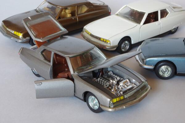 Toutes les mini-Citroën que j'aime - Page 10 Small.citroensmgrisepilen2.JPG.08f4fabb863467c2adb263420752134a