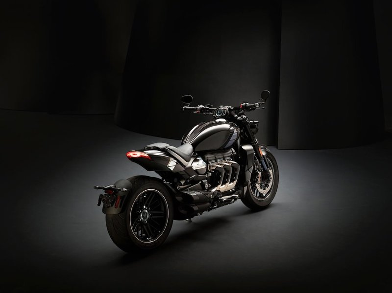2019-triumph-rocket-3-tfc-unveiled-first-look-4.jpg