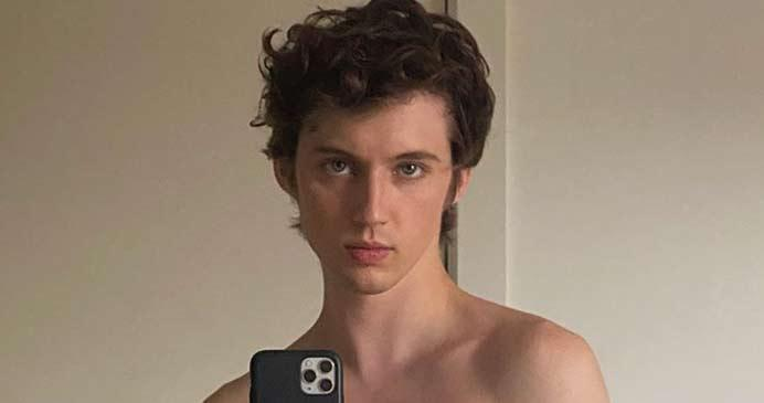 troye-shirtless.jpg