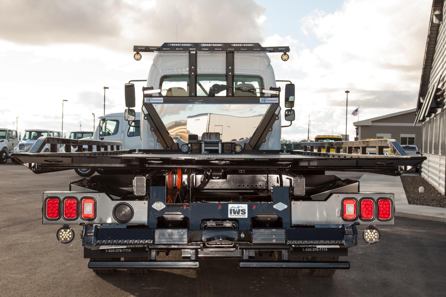 2018 FLM2 - 4WD – SP9,000 – Chevron Series 12 LCG Carrier - Sponsors ...