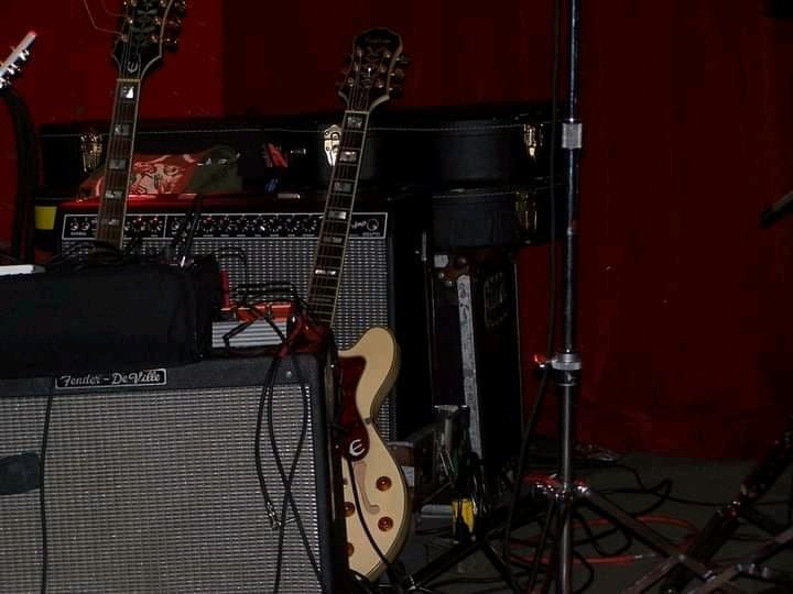 Dax's White Sheraton II and other gear.jpg