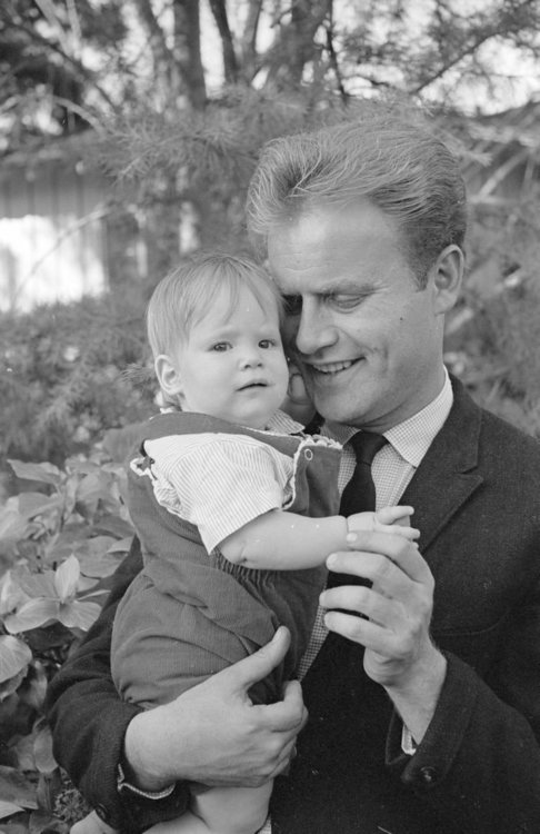 VIC-MORROW-DAUGHTER-Original-Photo-Negatives-COMBAT87654s-l1600.jpg