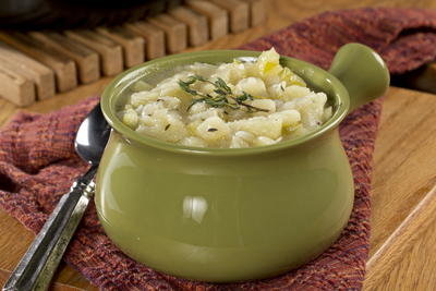 Irish-Potato-Soup_ArticleImage-CategoryPage_ID-1085181.jpg