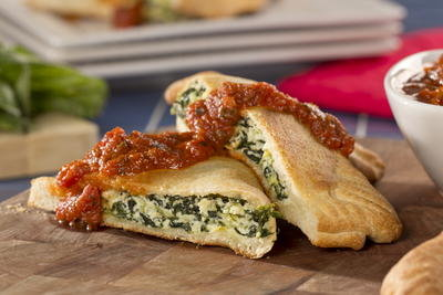 Spinach-and-Artichoke-Calzones_ArticleImage-CategoryPage_ID-1205388.jpg