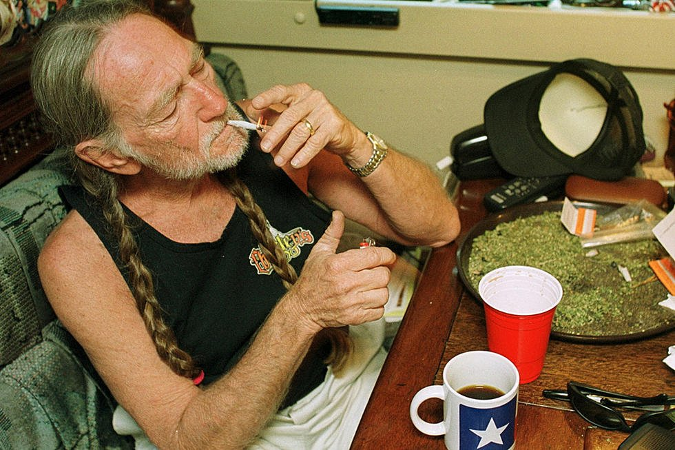 willie-nelson-marijuana1.jpg