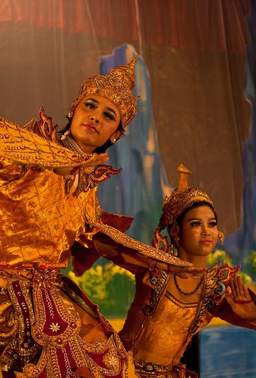 Burmese_Ramayana_dance  by Nguyen Thanh Long.jpg