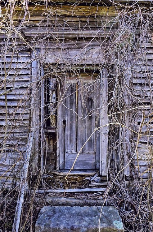 the-door-to-nowhere-kathleen-sartoris.jpg
