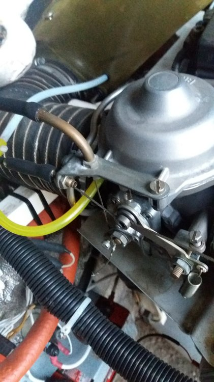 Throttle cable bad routing.jpg