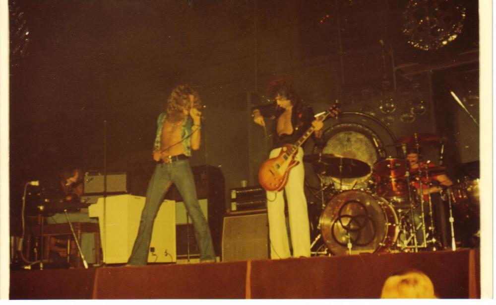 Zeppelin -Chicago Stadium '73 004.jpg