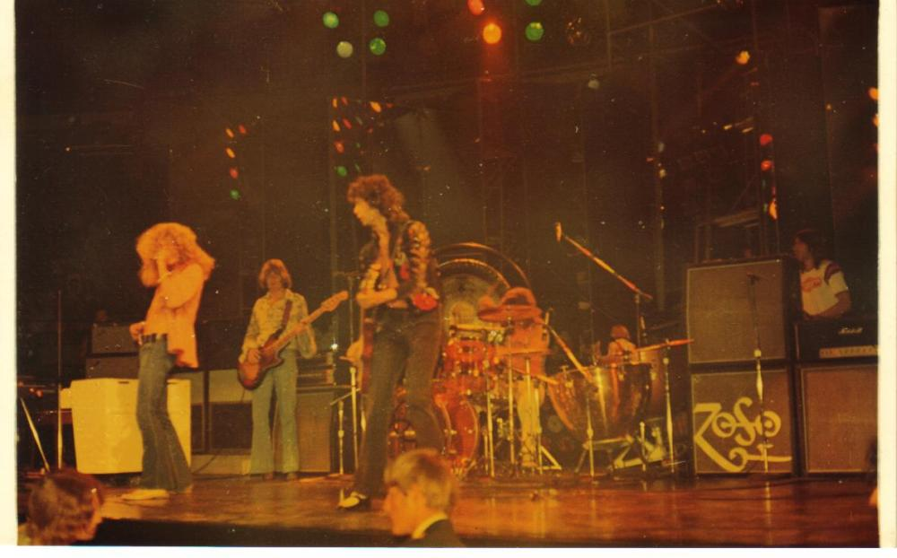 Zeppelin -Chicago Stadium '73 006.jpg