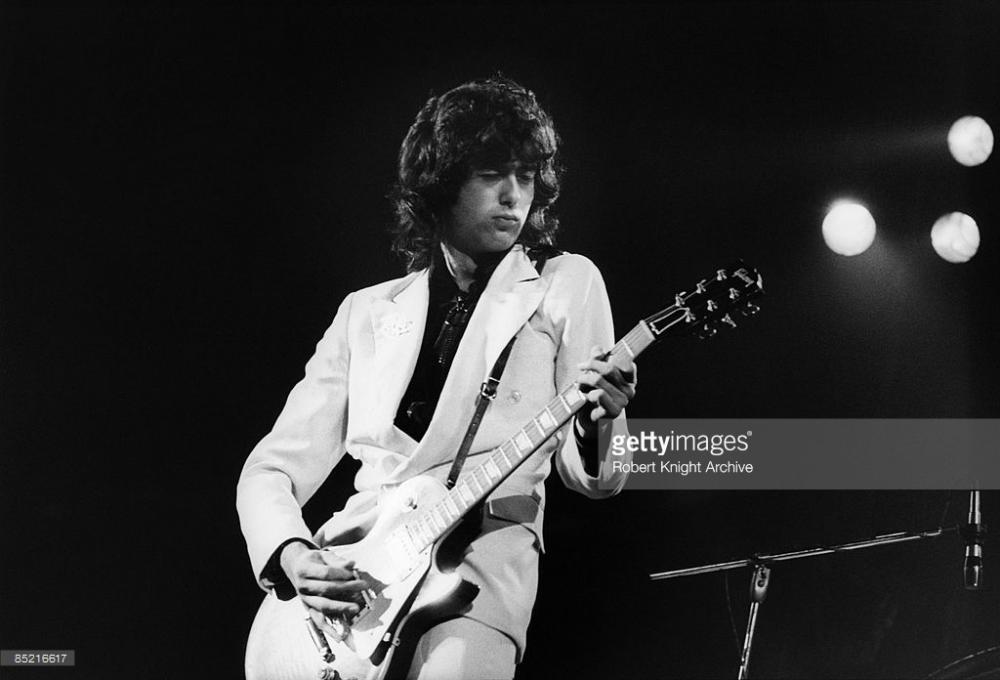 photo-of-led-zeppelin-and-jimmy-page-with-led-zeppelin-performing-picture-id85216617.jpeg