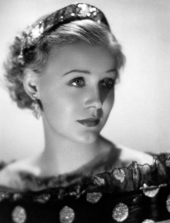 1-gloria-stuart-1934-everett.jpg