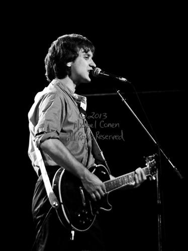 Michael Conen - [PROOF] Dave Davies at the mic vertical SM [The Kinks - Louisville Palace Theatre, Louisville KY  6-15-82].jpg