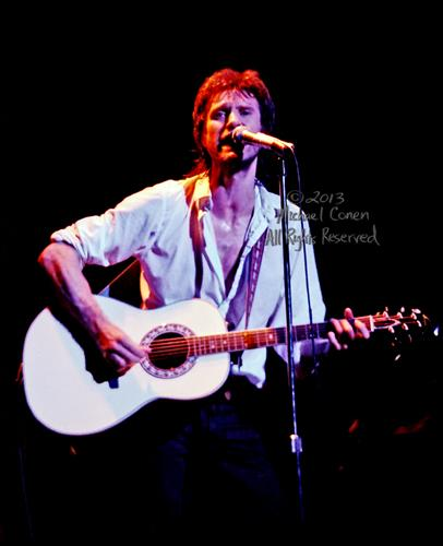 Michael Conen - [PROOF] Ray Davies & Ovation eyes on you in white shirt SM [The Kinks - Louisville Palace Theatre, Louisville KY  6-15-82].jpg