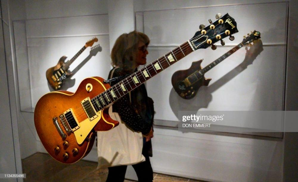 number-one-belonging-to-jimmy-page-is-displayed-during-a-media-for-picture-id1134355486.thumb.jpg.80d98b0353ce29ae02bf87822c87fc16.jpg