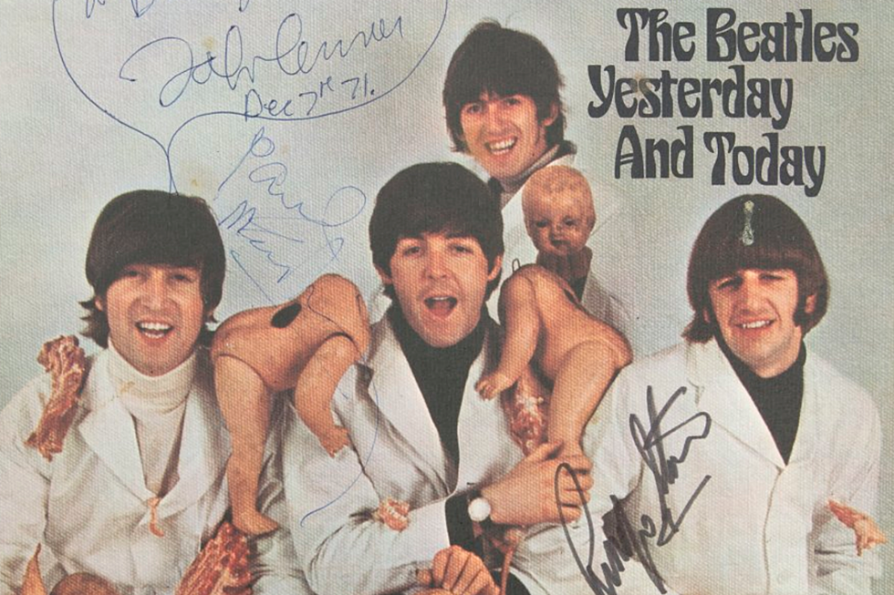John-Lennon-Beatles-Butcher-Album-Cover-Photo.png.d4ce0ff4f6e26177d77e85c00e031845.png