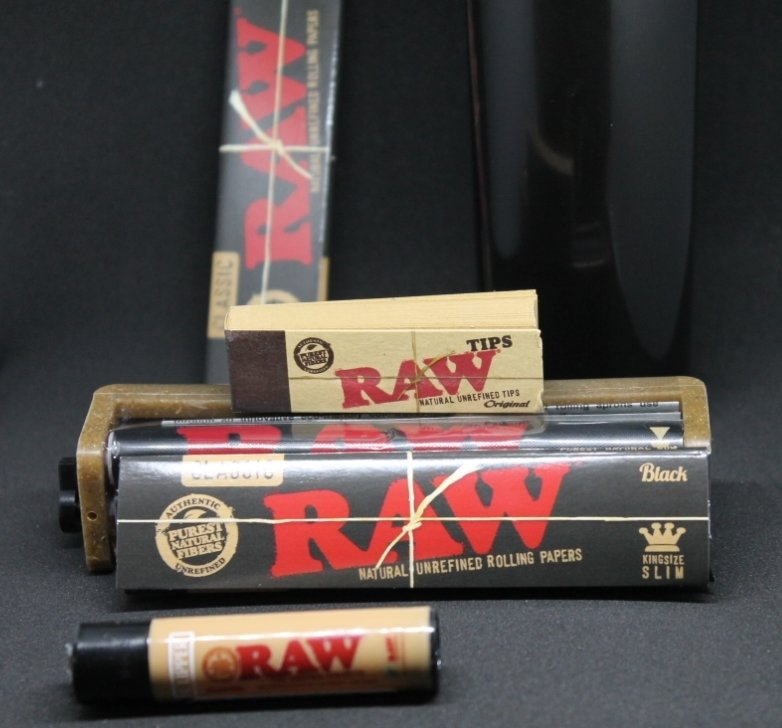 @ShopRPD  and PIF Rolling paper contest