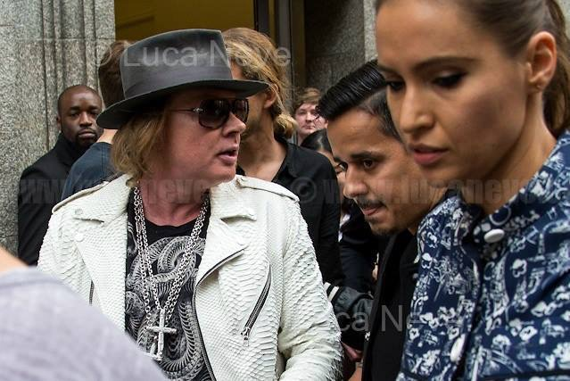 China Exchange: 60 Minutes with Axl Rose - Page 17 - GUNS N