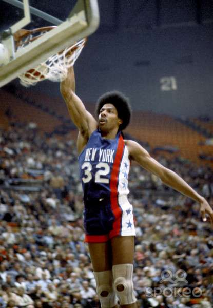 julius_erving_1973_01_01.jpg