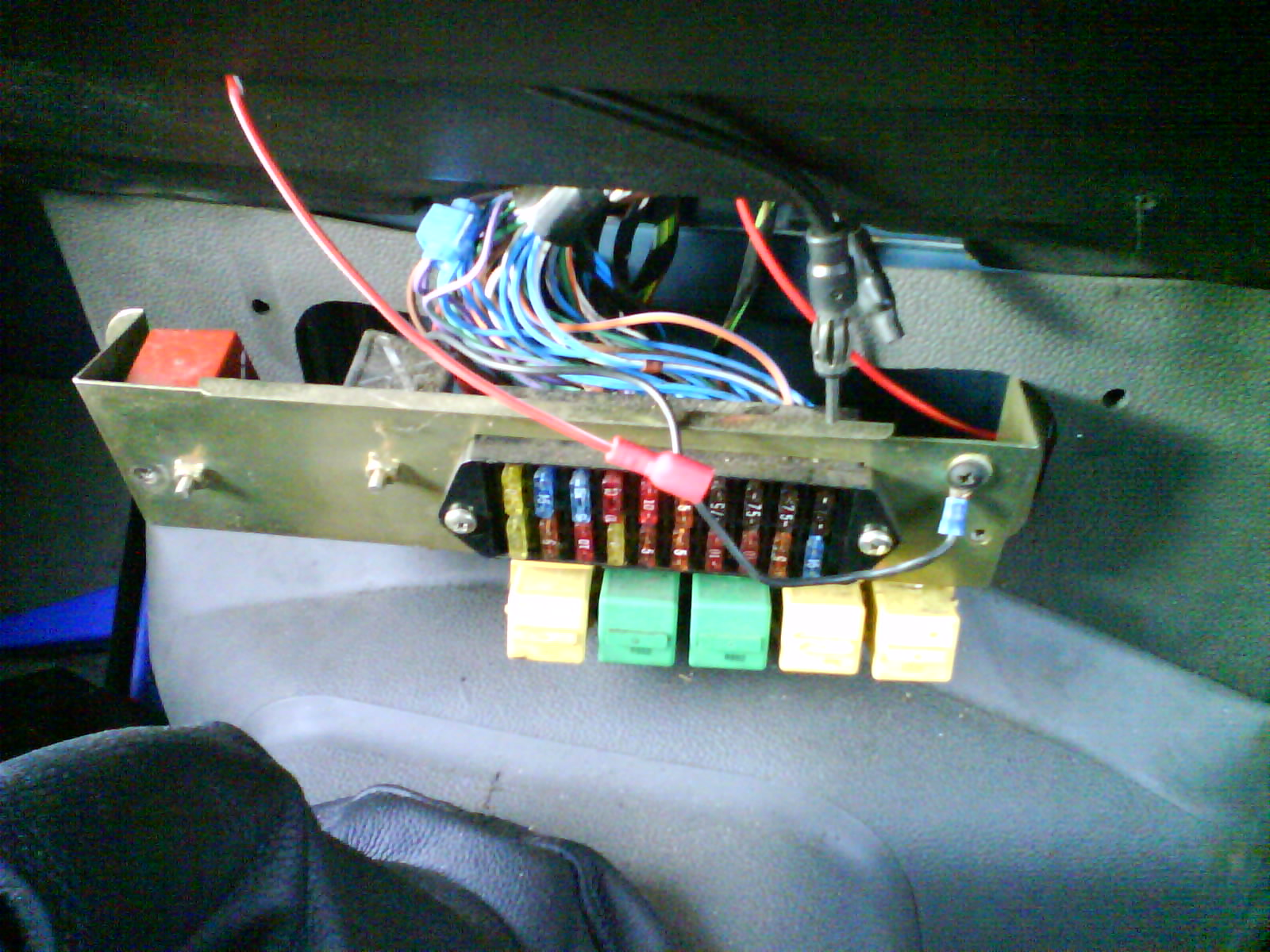 Indicator Relay - Defender Forum - Lr4x4