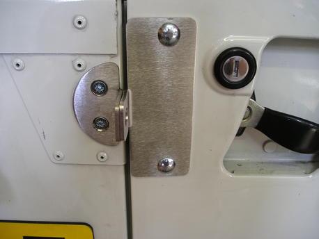 Additional security rear door lock - Defender Forum - LR4x4 - The ...