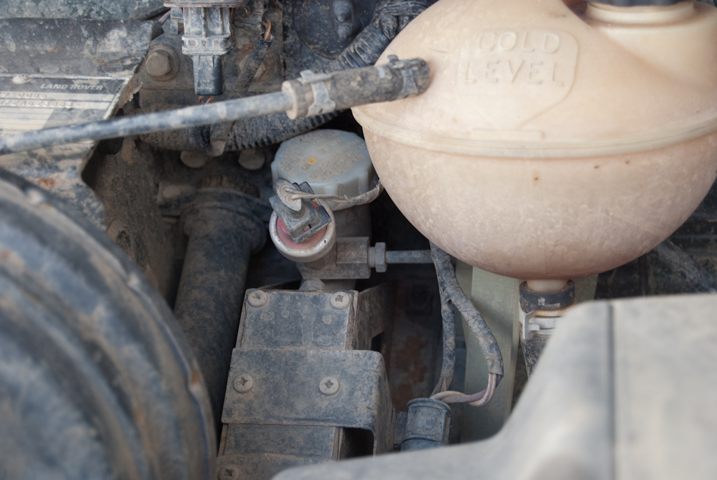 replace clutch master cylinder defender td5