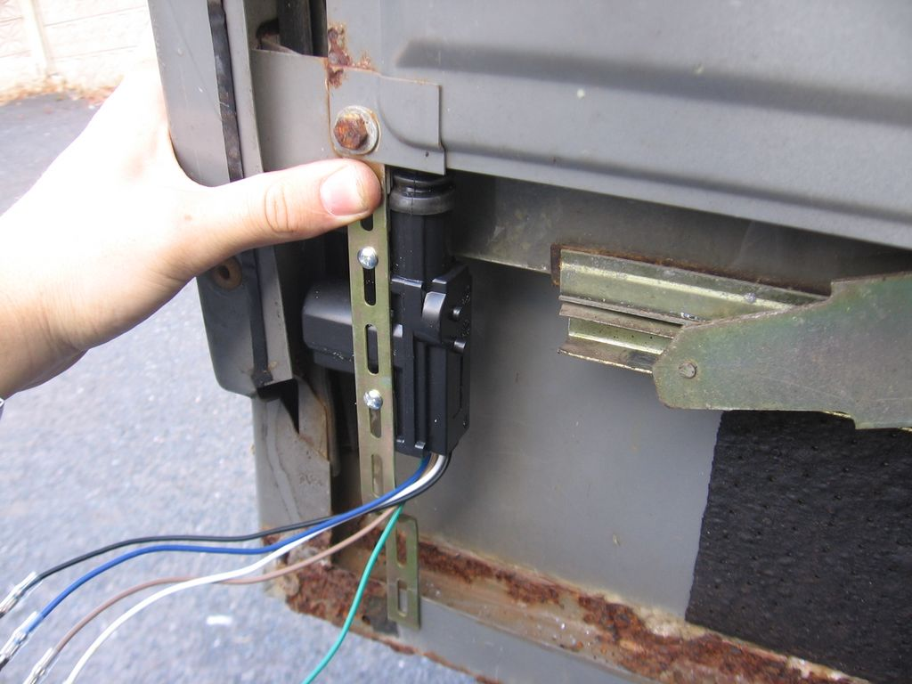 Fitting Central Locking to a Defender 90 - Defender Forum