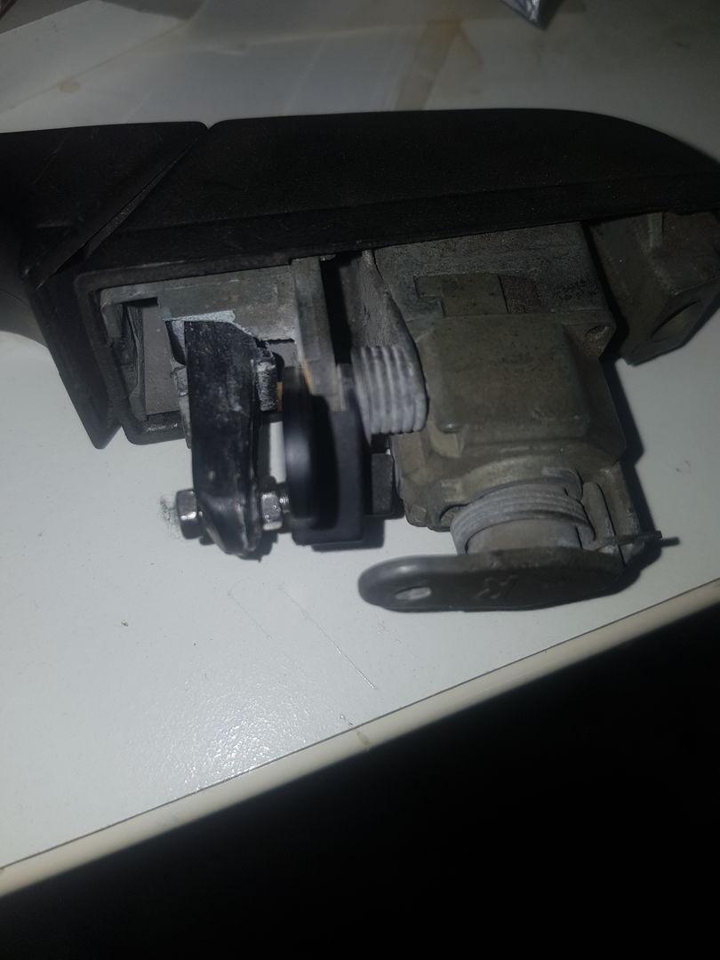 P38 Door handle fix - Range Rover Forum - LR4x4 - The Land
