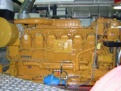 V12 Twin Turbo Caterpillar 3512 (B) DI TA electronic, 1118kW 1521Pk(hp), 1600 Rpm (Starboard side view)