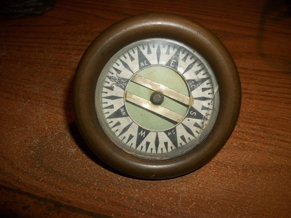 vintage-brass-compass-maritime-naval_1_1f91be9e0a6331115efbb4c8ed2b53b4.thumb.jpg.48fe2f0f773af02b55de2920c92a6ad4.jpg