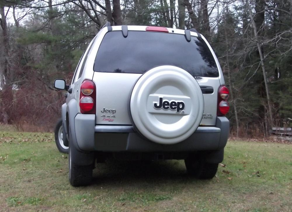 2005JeepLiberty_004B.jpg