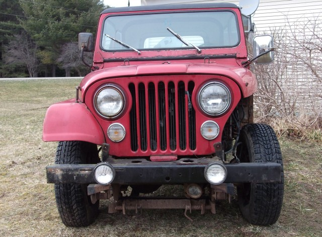My Red CJ 7_015-640.jpg