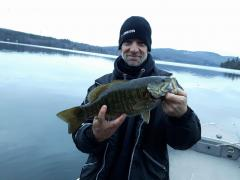 Pike-man et son achigan du lac massawippi