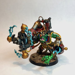 Big Mek w: Shokk Attack Gun.jpg