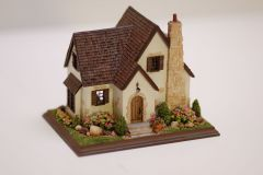 1:144 Scale Glencairn Cottage By Nell Corkin